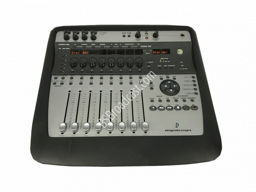 Digidesign Digi 002 Firewire Music Production System..